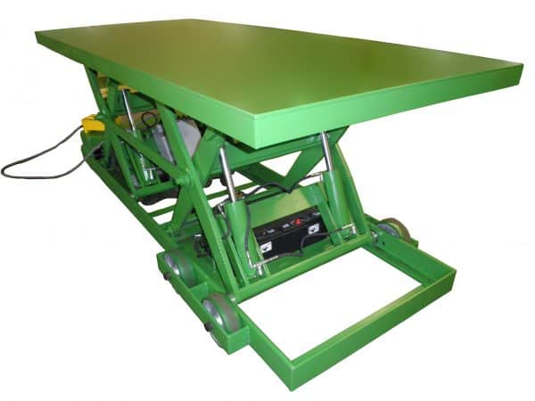 Self-Propelled Tandem Lift Table